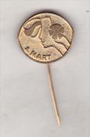 Yugoslavia Old Pin Badge - 8 Mart - Badges