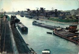 STRASBOURG - Port Autonome, Bassin Du Commerce.(péniches). - Houseboats