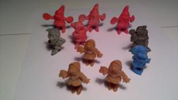 ( 17 DOUBLES) Figurines  Disney  Et Autres Figurines  (Roche Aux Fées) - Disney