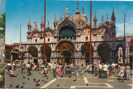 .CPM. VENEZIA .. BASILIQUE DE St MARC -- CARTE ECRITE AU VERSO - Venezia (Venice)