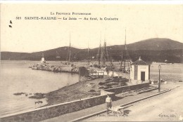 C P A  -  SAINTE  MAXIME   La  Jetée  Au Fond  La  Croisette - Sainte-Maxime