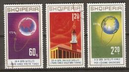 ALBANIE   -  1971 .  Y&T N° 1304 à 1306 Oblitérés.    Série Complète.   COSMOS  /  ESPACE - Albanië