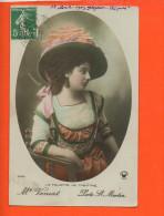 Fantaisie -  Femme - Mode - La Toilette Au Théâtre - Mode