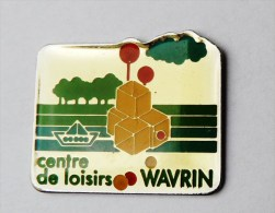 Pin's Centre De Loisirs Wavrin - C016 - Villes