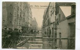 CPA  75 : PARIS  Inondations 1910  Rue Daumesnil       A  VOIR  !!!!!!! - Paris Flood, 1910