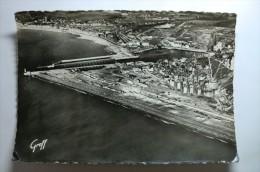 D 76 - Le Tréport Mers - Vue Aérienne, La Plage, Les Bassins, Le Chenal, Le Phare, En Arrière Plan, Mers Et Ses Plages - Le Treport