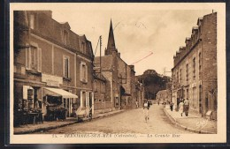 BERNIERES - SUR - MER . La Grande Rue . - France
