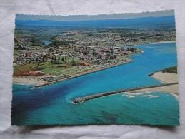 Australia Port Macquarie  Township On The  Hastings River Entrance    A100 - Port Macquarie