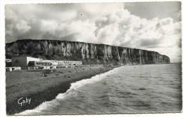 LL , 76 , LE TREPORT , La Plage, Les Falaises Et Le Casino , Voyagée 1960  , N°53 , Ed: Gaby - Le Treport