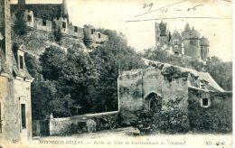 N°48831 -cpa Montreuil Bellay -porte De Ville Et Fortifications Du Château - Montreuil Bellay
