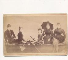 ARCACHON, NANTES - Photo Cabinet Contrecollée Sur Carton Fort - 5 Femmes Sur Un Bateau !