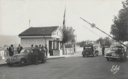 Hendaye - Frontière Franco-Espagnole - Pont International, Visite De La Douane - Carte Elcé N°1.581 - Customs