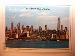 Carte Postale New York City Skyline ( Oblitéré 1988 + Timbre 25 Cents) - Multi-vues, Vues Panoramiques