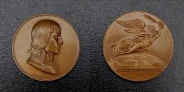 29 ) MEDAILLE EN BRONZE NAPOLEON BONAPARTE GAYRARD BATAILLE DE MONTENOTTE - Médailles & Décorations