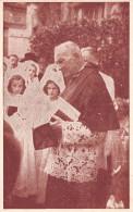 52 -Joinville - Changey - Photo Au Format Cp De Placide Mariet Curé (1870-1948) Au Presbytère Un Jour De 1ère Communion - Lieux