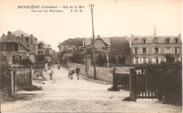 14 - BERNIERE,  VUE SUR LES HÔPITAUX - RUE DE LA MER - France
