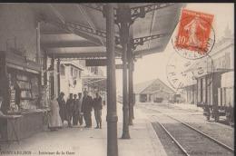 CPA:Pontarlier:Intérieur De La Gare:Marchand Cartes Postales Et Train - Pontarlier
