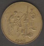 ETATS DE L´AFRIQUE DEL´OVEST 10 FRANCS 1982 - Monete