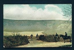 ENGLAND  -  Eastbourne  Wilmington Giant  Unused Vintage Postcard - Eastbourne