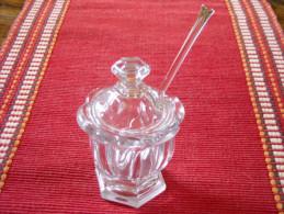 BACCARAT , Moutardier Petit Modèle Harcourt Missouri , Avant 1936 , Avec Sa Cuillère . - Glass & Crystal