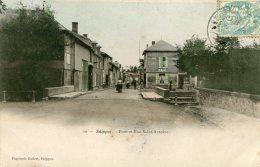V2371 Cpa 51 Suippes - Pont Et Rue Saint Antoine - France