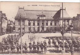 25737 RENNES 35 Place Palais Justice -2393 Laurent Nel - Parlement -revue Militaire Soldat Chevaux Soldat Fete - Rennes