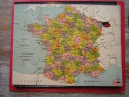 ANCIEN PUZZLE 16 PIECES  29 X 21 CM EN BOIS ( CP ) ET PAPIER   CARTE DE LA FRANCE - Puzzles