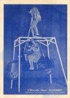 Cirque, L'Hercule Enjalbert Soulève Une Femme Et Un Scooter Avec Les Dents, Carte Pas Courante - Cirque