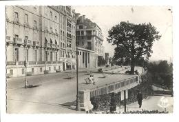 Cp, 64, Pau, Le Boulevard Des Pyrénées, Voyagée 1950 - Pau