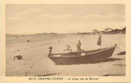 - Morbihan - Ref C399-  Carnac Plage -  La Plage  Vue De Baumer - Enfants En Equilibre Sur Une Barque - Carte Bon Etat - - Carnac