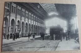63  -   N°  472 CLERMONT FERRAND LA GARE @ CPA VUE RECTO/VERSO AVEC BORDS - Clermont Ferrand