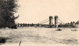55Nja   84 Pertuis Le Pont Suspendu Sur La Durance (vue Pas Courante) - Pertuis