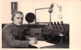 """04124 """"MARCONISTA - ADDETTO ALLE RADIOCOMUNICAZIONI - RADIOTELEGRAFISTA""""  ANIMATA, FOTOCARTOLINA ORIGINALE - Mestieri"""