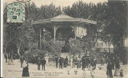 C P A  -  TOULON   Place D ARMES  Le Kiosque A Musique Pendant Un Concert - Toulon