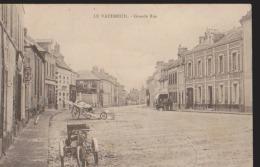CPA:Le Vaudreuil:Grande Rue:Plusieurs Attelages - France