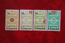 2nd Choise Surinaamse Voetbalbond NVPH Nr: 543-546 Mi 584-587 1970 MH / Ongebruikt SURINAME / SURINAM - Surinam ... - 1975