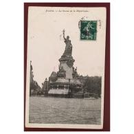 Paris  La Statue De La République - Statues