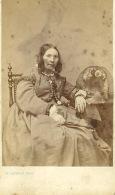 Photo PLUCHARD Paris Année 1870  Dame En Robe Longue - Antiche (ante 1900)