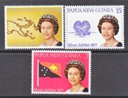 PAPUA  & NEW  GUINEA  397-8     **    Q. E.  II   SIVER  JUBILEE  FLAG - Papouasie-Nouvelle-Guinée