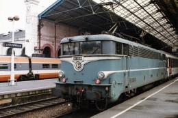 Lyon (69) 16/11/1992 - La BB25245 En Gare De Lyon Perrache - Lyon