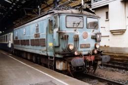 Lyon (69) 27/12/1990 - La BB335 En Gare De Lyon Perrache - Lyon