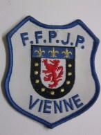 Ecusson Tissu Brodé - VIENNE - FFPJP - PETANQUE - Ecussons Tissu
