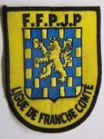 Ecusson Tissu Brodé - Ligue De FRANCHE COMTE - FFPJP - PETANQUE Et Jeu Provençal - Ecussons Tissu