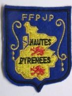 Ecusson Tissu - Feutrine Brodée - HAUTES-PYRENEES - FFPJP - PETANQUE Et Jeu Provençal - Ecussons Tissu