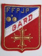 Ecusson Tissu - Feutrine Brodée - GARD - FFPJP - PETANQUE Et Jeu Provençal - Ecussons Tissu