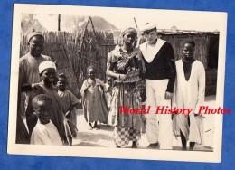 Photo Ancienne - Pays à Identifier - Portrait Marin & Jeune Fille Africaine - Marine Aéronautique Nationale - Girl Boy - Afrika