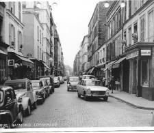PARIS DES ANNEES 1960  RUE RAYMOND LOSSERAND  PEUGEOT CITROEN RENAULT TAXI BOUCHERIE - Riproduzioni