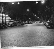PARIS DES ANNEES 1960  AVENUE DE LA MOTTE PIQUET  PEUGEOT CITROEN RENAULT MERCEDES Volkswagen COMBI - Riproduzioni