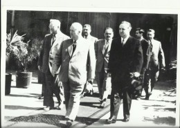 YUGOSLAVIA  --    ALEKSANDAR RANKOVIC, VLADIMIR BAKARIC  --  MIT NIKITA  KHRUSHCHEV, RUSSIA  --1955  ---  18 Cm X 13 Cm - Famous People