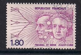 YT N° 2218  - Oblitéré - F. Et I. JOLIOT-CURIE - Frankreich